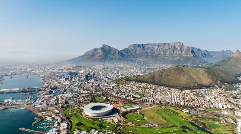 Cape Town & x28; flyg- sikt från en helicopter& x29; fotografering för bildbyråer