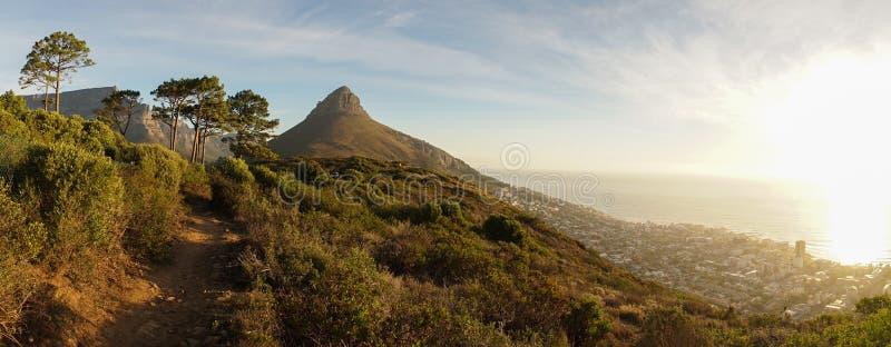 Cape Town-Tafelberge in Südafrika lizenzfreies stockbild