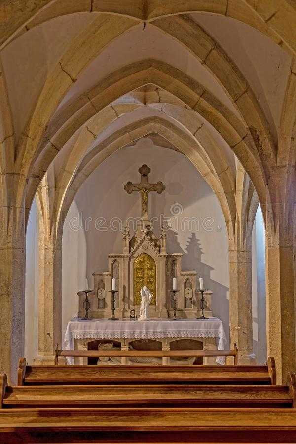 Capela antiga bonita em uma cidade húngara famosa Veszprem em Saint Michael Cathedral foto de stock royalty free