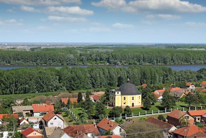Capela da Sérvia de Sremski Karlovci da paz foto de stock royalty free