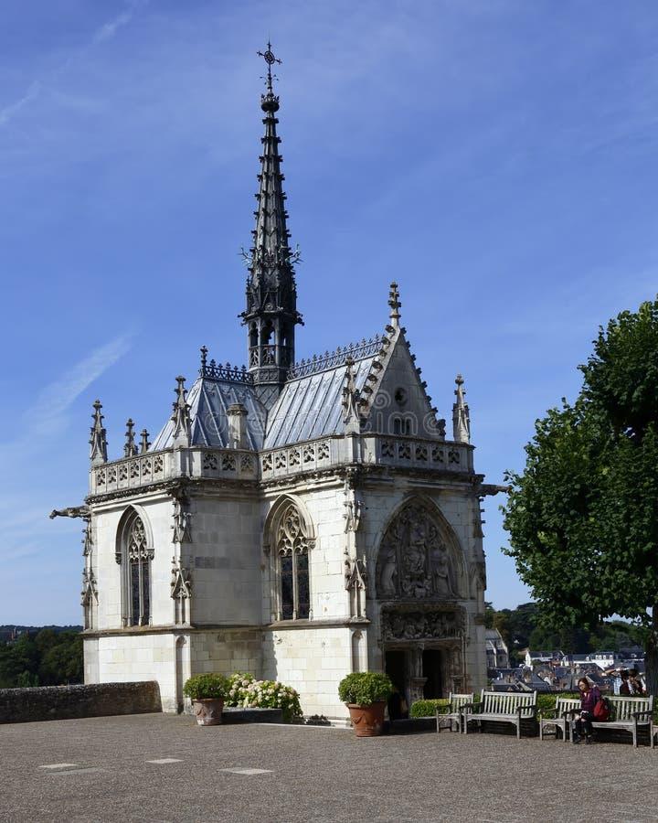 Capela de Hubert de Saint, lugar de descanso de Leonardo da Vinci, amboise, França - tiro agosto de 2015 imagens de stock royalty free