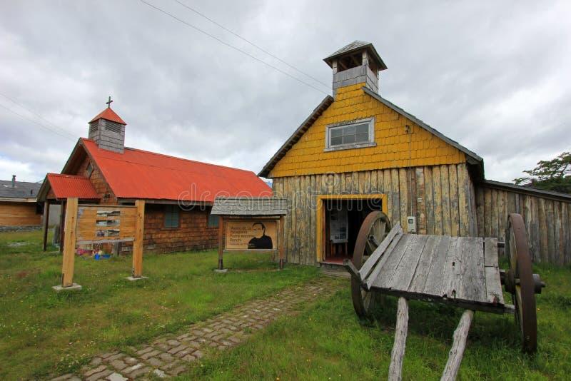 Capela de madeira velha, museu, ` Higgins da casa de campo O, Carretera Austral, o Chile foto de stock royalty free