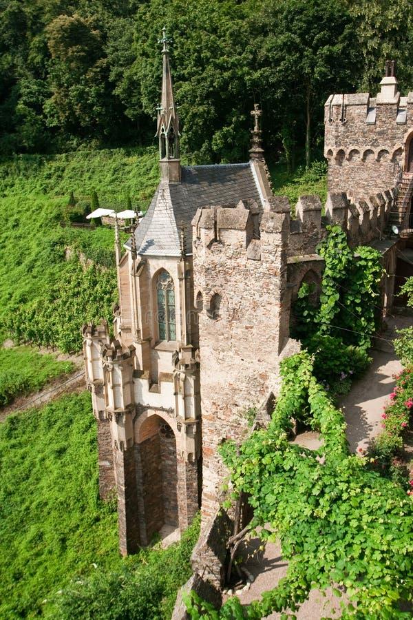 Download Capela de um castelo velho foto de stock. Imagem de imperial - 12804734