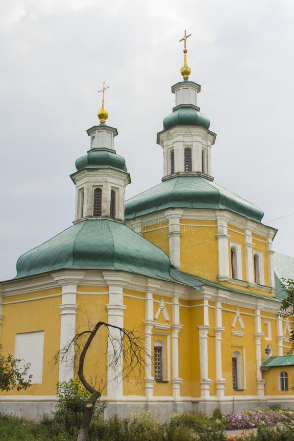 Capela no território da catedral da trindade em Chernihiv ucrânia imagens de stock