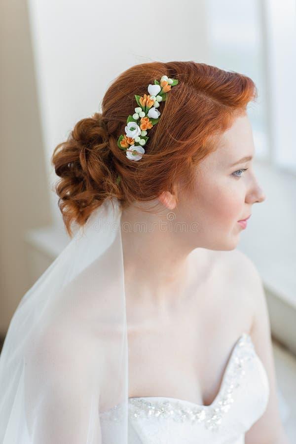 Capelli rossi della sposa fotografia stock libera da diritti