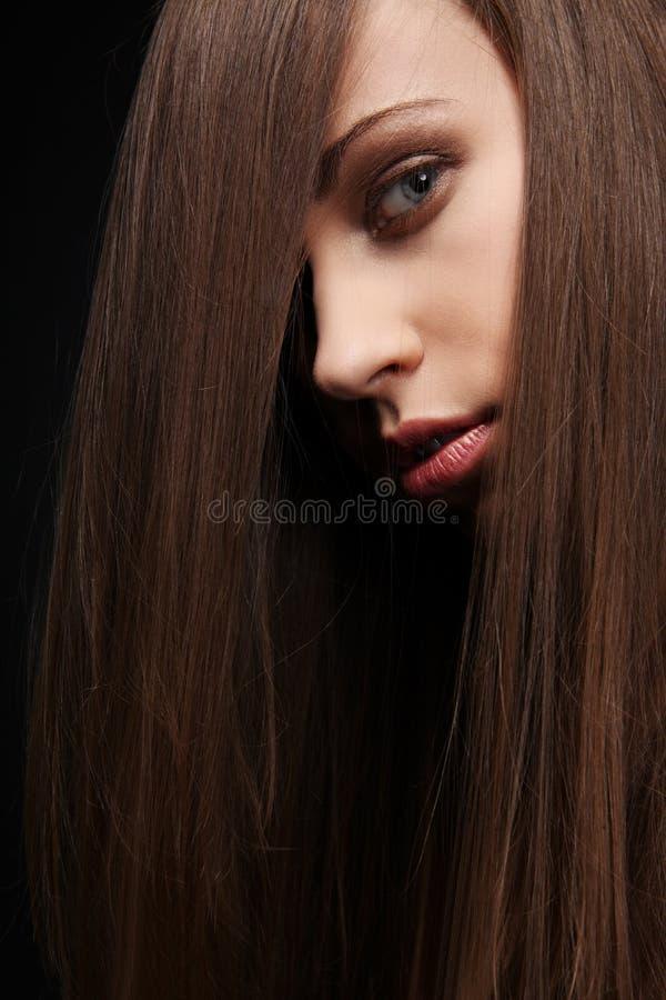 Capelli scuri. fotografia stock