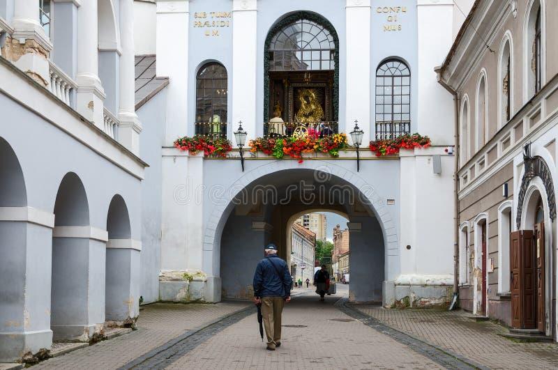 Capilla con nuestra señora de la puerta del amanecer en la puerta santa (puerta del amanecer) foto de archivo