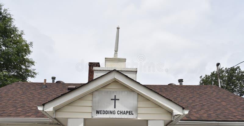 Capilla de la boda para las ceremonias de matrimonio granangulares fotos de archivo