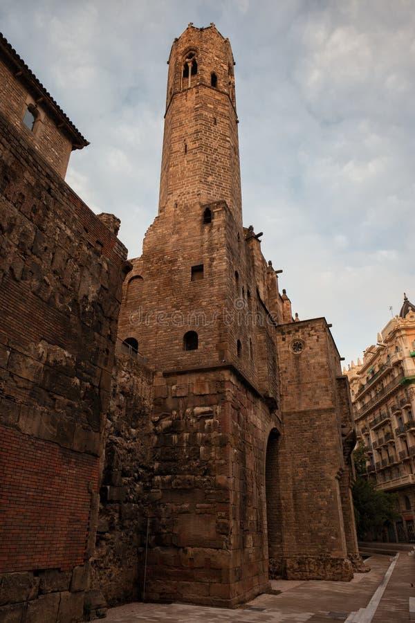 Capilla de St Agatha Gothic Tower en Barcelona imágenes de archivo libres de regalías