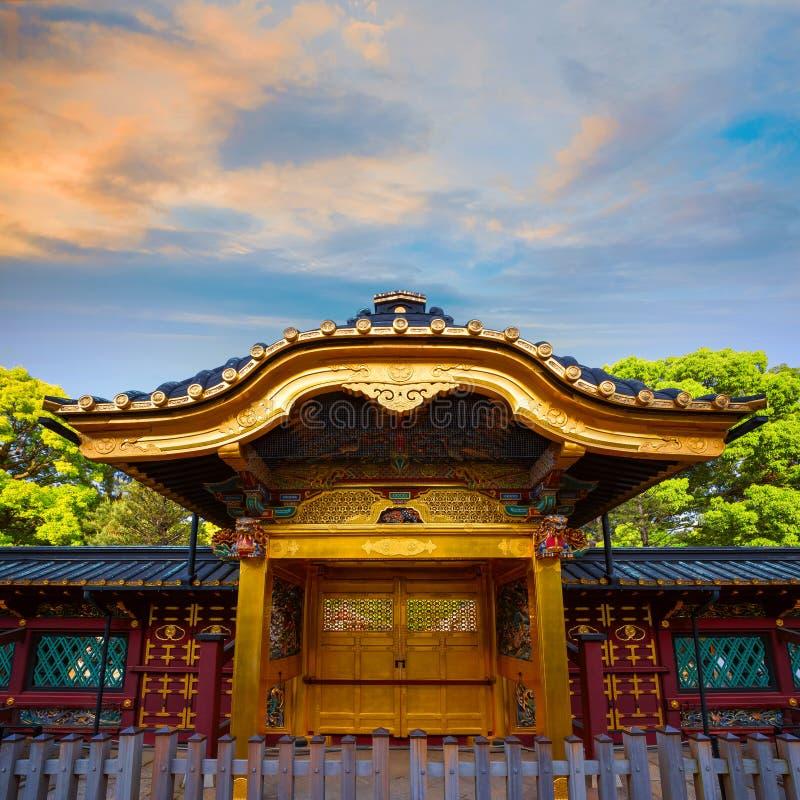 Capilla de Ueno Toshogu en el parque de Ueno, Tokio, Japón imagenes de archivo