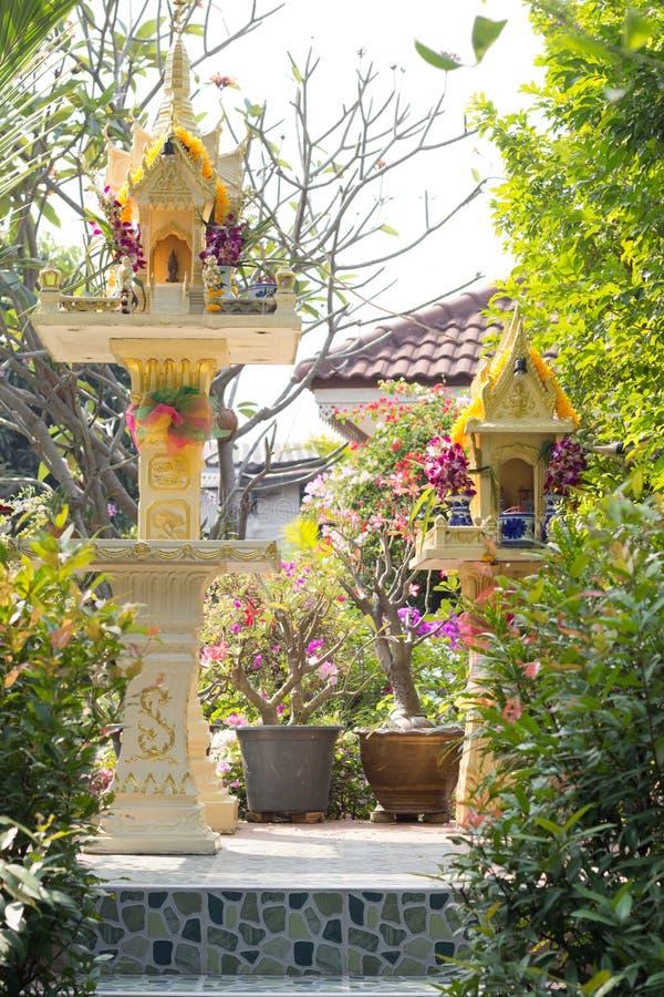 Capilla del abuelo tailandés del alcohol de dios y de guarda del hogar y fotografía de archivo libre de regalías