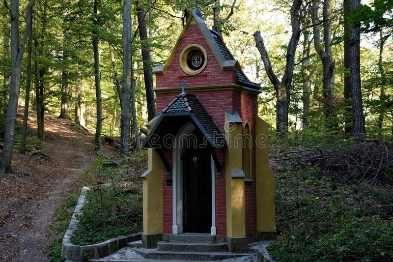 capilla del bosque fotos de archivo libres de regalías