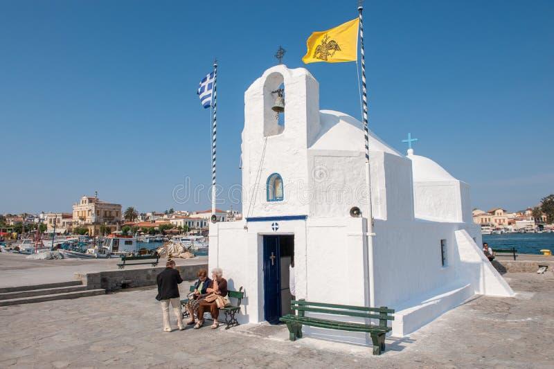 Capilla griega en Aegina fotografía de archivo