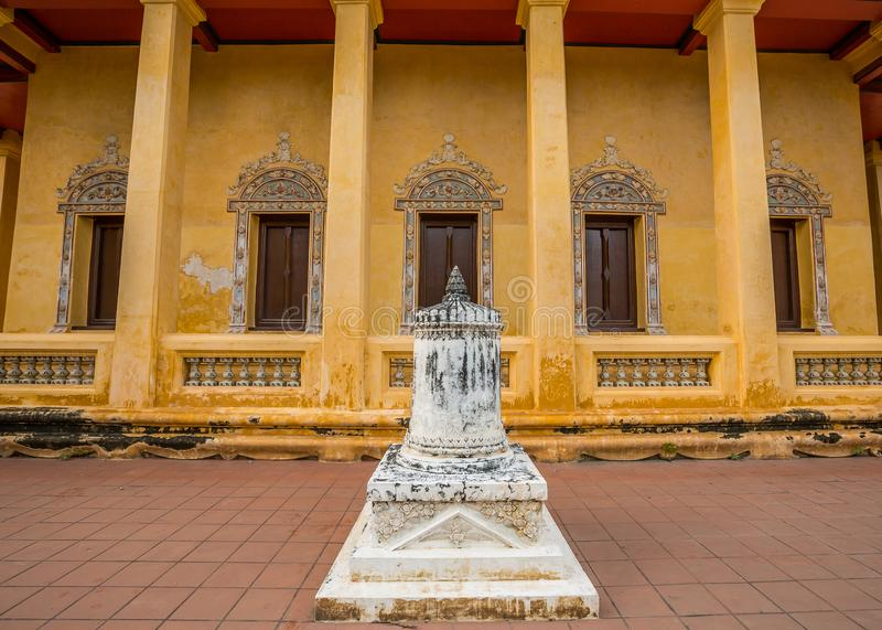 Capilla vieja en estilo chino del templo tailandés, Wat Bang Pla - Samut Sakhon, Tailandia fotografía de archivo libre de regalías
