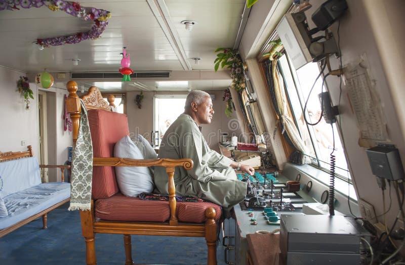 Capitán de una travesía en el Nilo en Egipto fotos de archivo libres de regalías