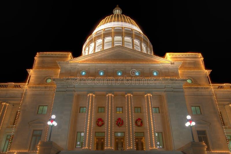 Capitólio do estado de Arkansas exterior no Natal fotos de stock