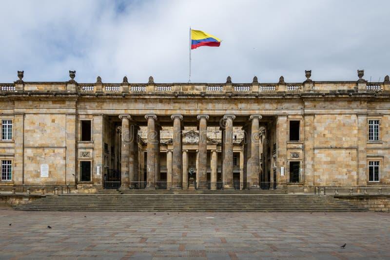 Capitólio nacional colombiano e congresso situados no quadrado de Bolivar - Bogotá, Colômbia fotos de stock