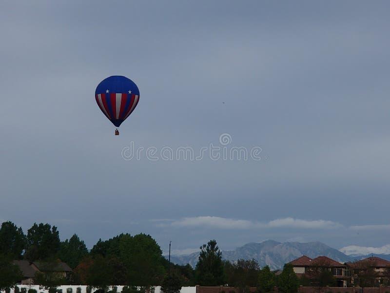 Capitaine America Balloon au-dessus de Brighton Co image stock