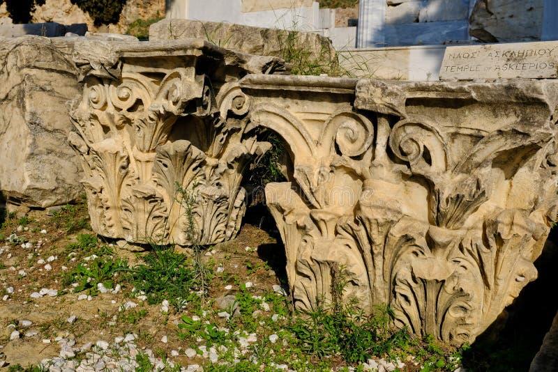 Capitais de colunas Corinthian do grego clássico, Atenas, Grécia foto de stock