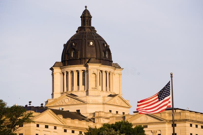 Capital de estado de aumentação de Sun South Dakota que constrói Hughes County Pierre fotos de stock royalty free