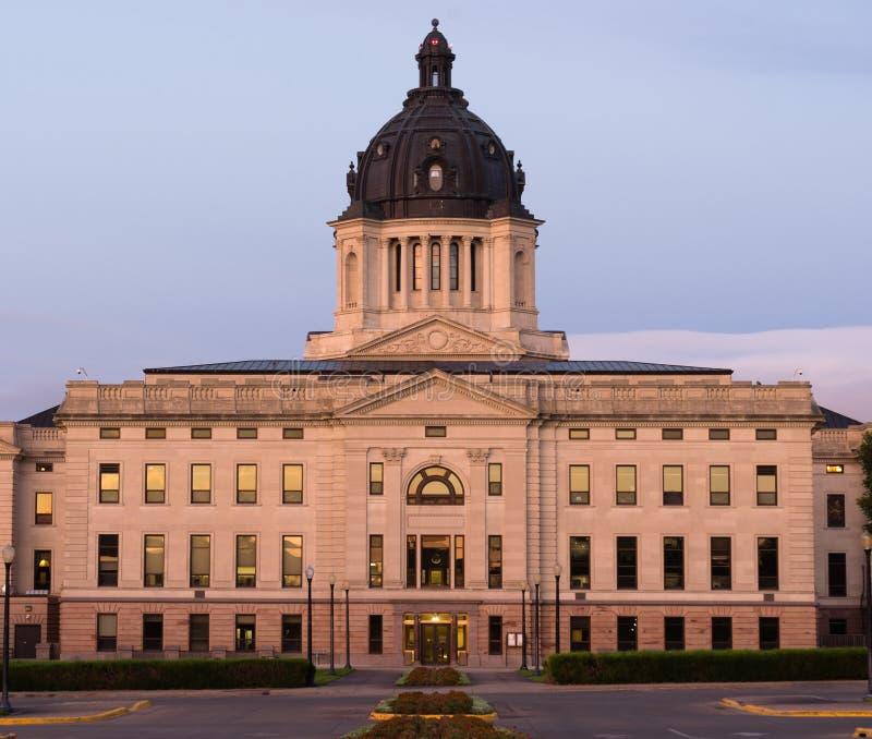 Capital de estado de South Dakota do nascer do sol que constrói Hughes County Pierre foto de stock royalty free