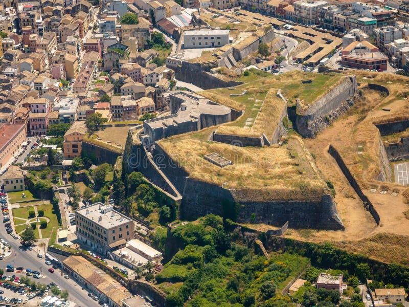 Capital de la fortaleza de la ciudad de Kerkyra del isalnd Grecia de Corfú foto de archivo