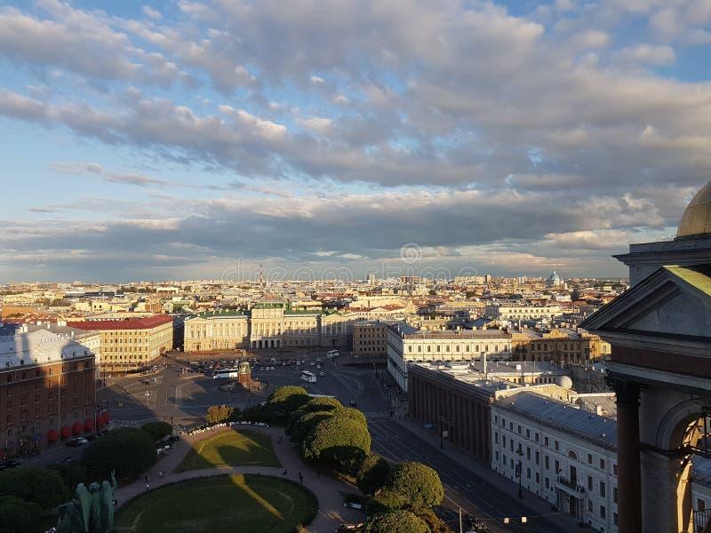 Capital do norte do russo da cidade bonita de Sankt Petersburgo Rússia fotografia de stock