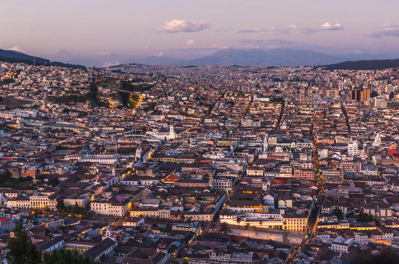 Capital en la puesta del sol, Ecuador de Quito foto de archivo