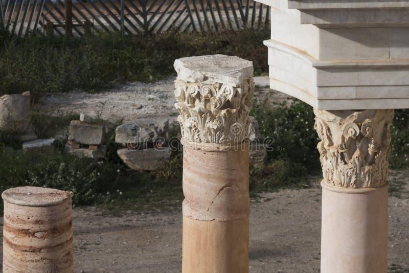 Capitale Corinthian del primo piano della colonna romana del teatro di Cartagine, Spagna immagini stock libere da diritti