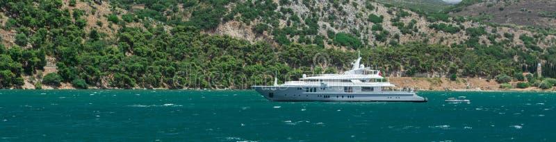 Capitale d'Argostoli de yacht de Kefalonia Grèce photographie stock libre de droits
