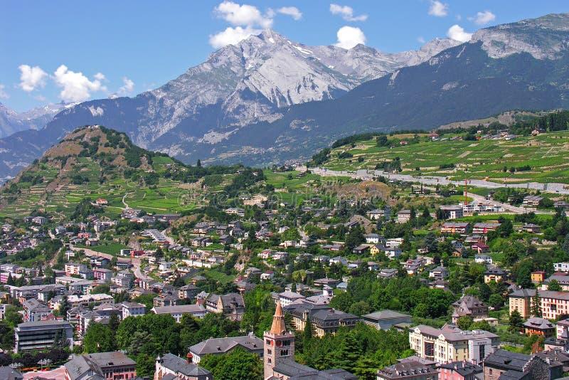 capitale della città di sion del cantone del Valais immagini stock libere da diritti