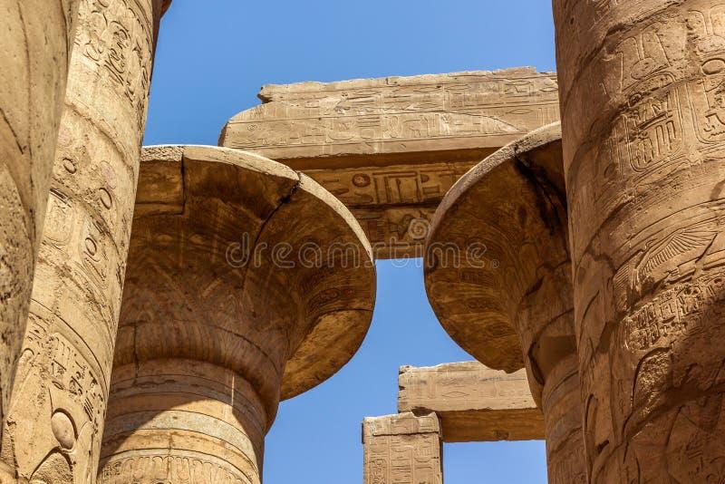 Capitel des Tempels von Karnak stockbild