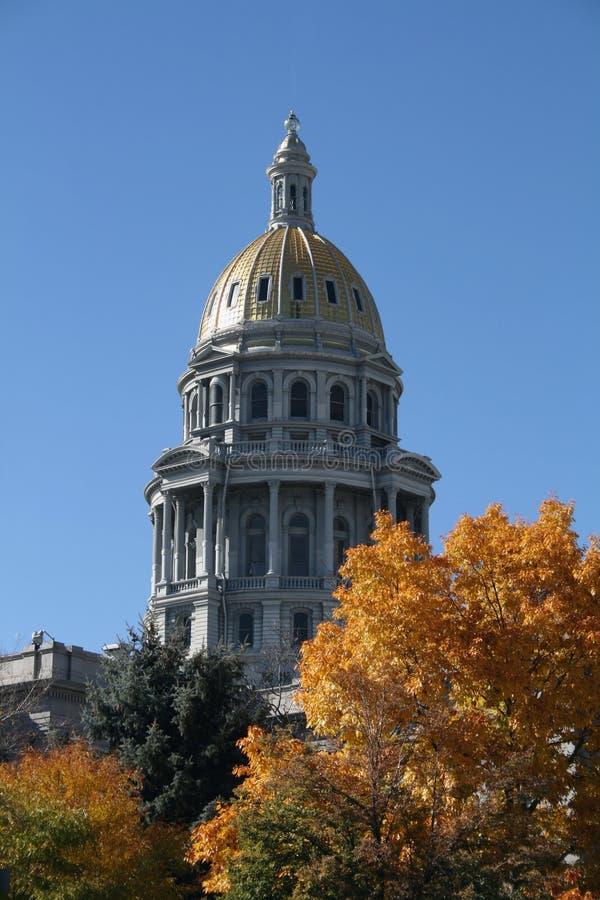 Capitol d'état de Denver en automne images libres de droits