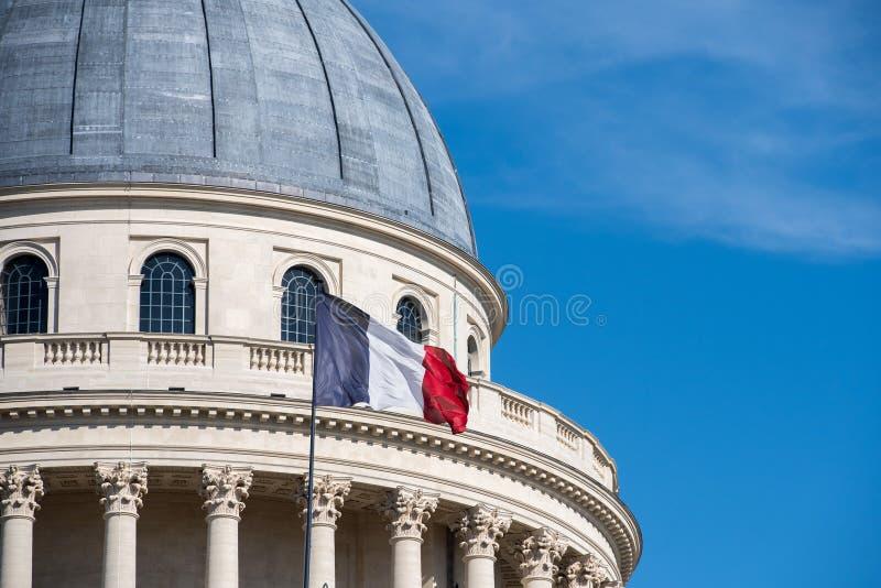 Capitol de Panthéon de Paris avec le drapeau français photos libres de droits