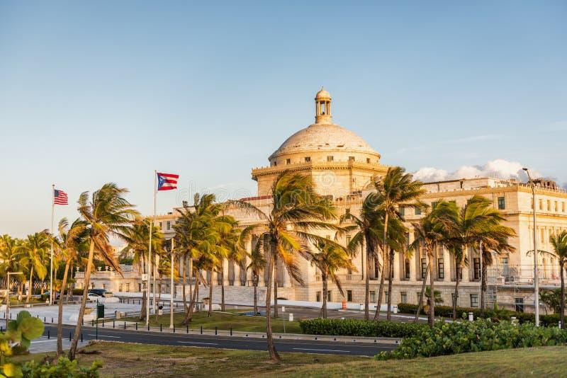 Capitol-gebouw van het district Puerto Rico San Juan VS-reisbestemming in Latijns-Amerika Straatbeeld van beroemd royalty-vrije stock fotografie