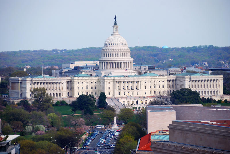 Capitol Hill dat luchtmening, Washington DC bouwt stock afbeelding