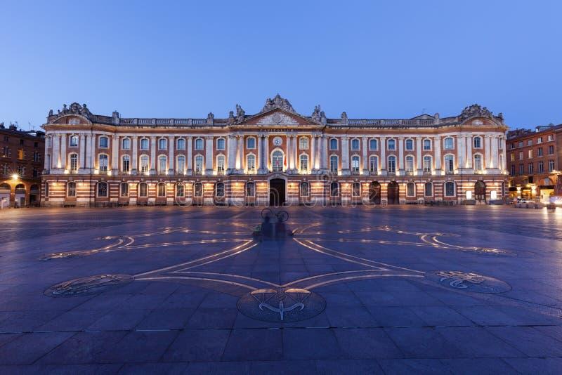 Capitole de Toulouse am Abend lizenzfreies stockfoto