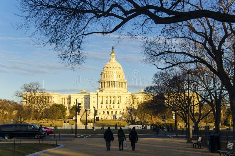 Capitolio de Estados Unidos en la puesta del sol fotografía de archivo
