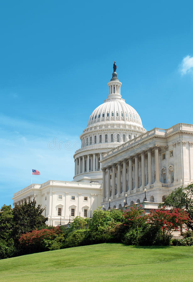 Capitolio de los E.E.U.U. con el indicador fotografía de archivo