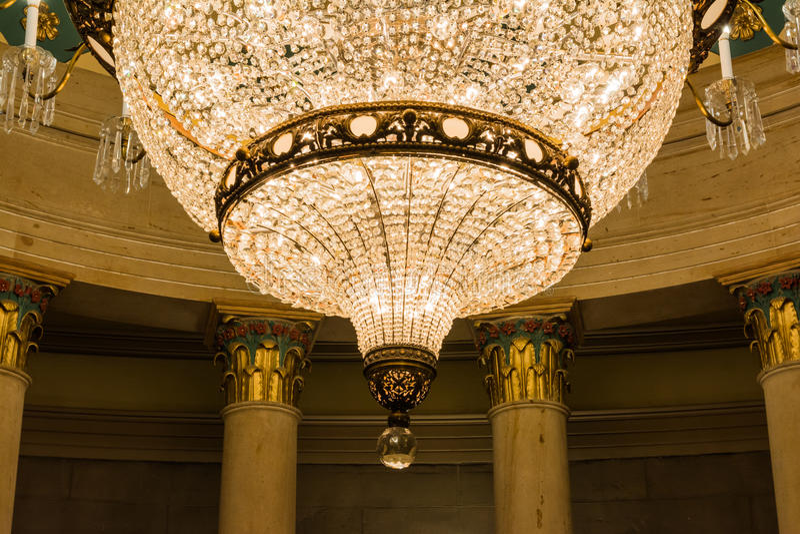 Capitolio de los E.E.U.U. que incorpora arquitectura subterráneo de la lámpara de la cripta fotos de archivo
