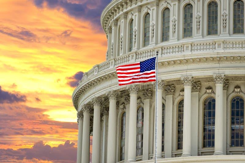 Capitolio de Washington los E.E.U.U. en fondo dramático del cielo imágenes de archivo libres de regalías