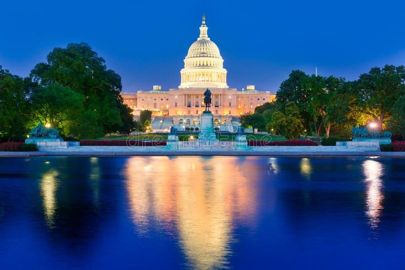 Capitool het Washington DCcongres van de de bouwzonsondergang royalty-vrije stock fotografie