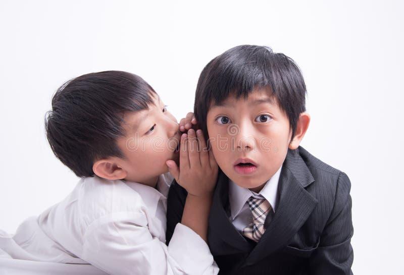 Capo asiatico del personale del ragazzo fotografie stock