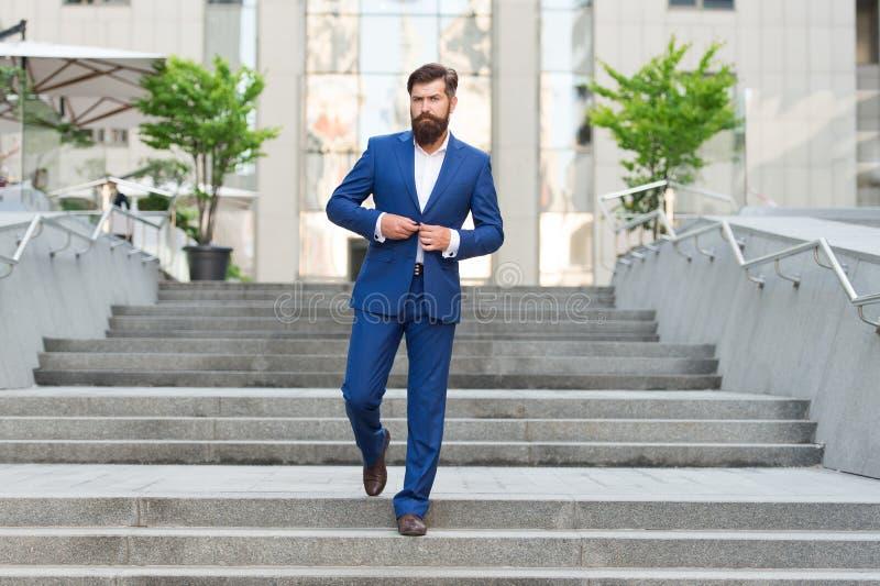Capo della mafia uomo del revisore dei conti nel vestito di modo Vita moderna imprenditore motivato modo maschio convenzionale St fotografia stock libera da diritti