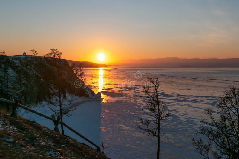 Capo di Burkhan; buon punto di vista per il tramonto di viaggio del lago Baikal fotografia stock libera da diritti
