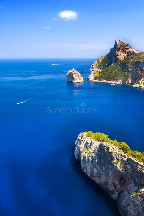 Capo di Formentor a Pollensa, alta vista aerea del mare in Mallorca Balearic Island immagini stock
