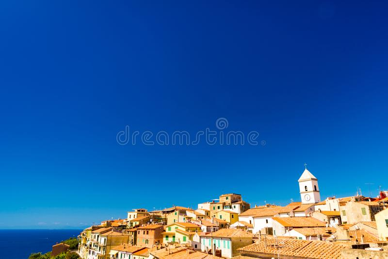 Capoliveri jest zarządem miasta na wyspie Elba, Włochy zdjęcia stock