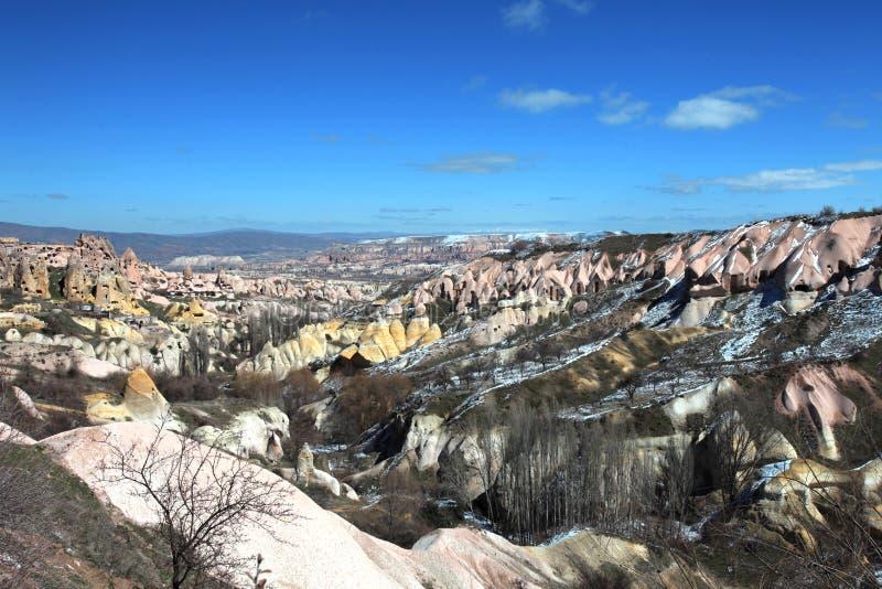 Paesaggio leggiadramente del camino di Cappadocia, viaggio Turchia fotografia stock libera da diritti