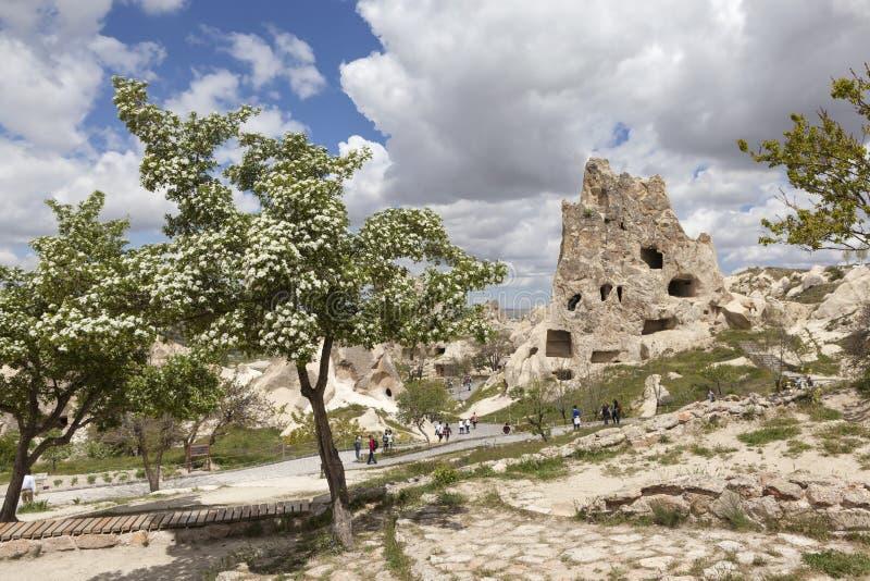 Cappadocia, die Türkei Berglandschaft mit Höhlen in den Felsen im Nationalpark von Goreme stockfoto