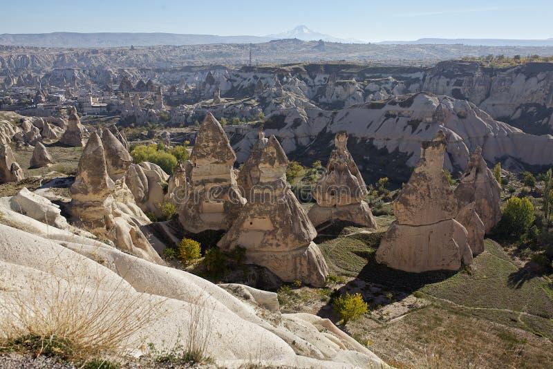 Cappadocia: panorama van het openluchtmuseum van Goreme stock afbeelding